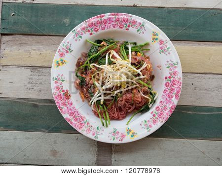 frie drice vermicilli noodle with pork in soy sauced and vegetable