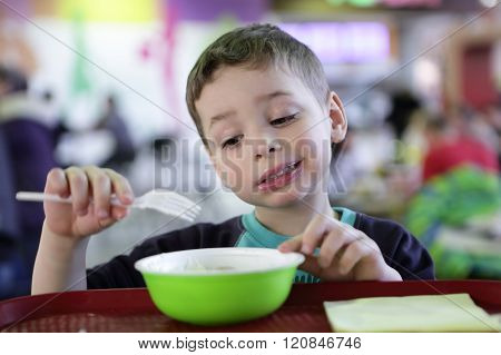Kid Has Meat Dumplings