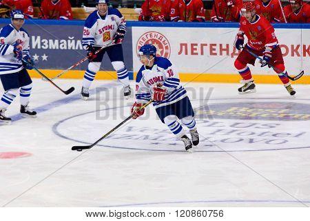 Reijo Ruotsalainen (10) In Action
