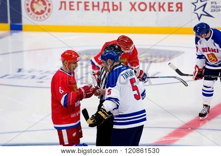 I. Larionov (8) And E. Tikkanen (5) Talk