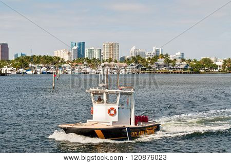 Tow Boat On The Florida Waterways