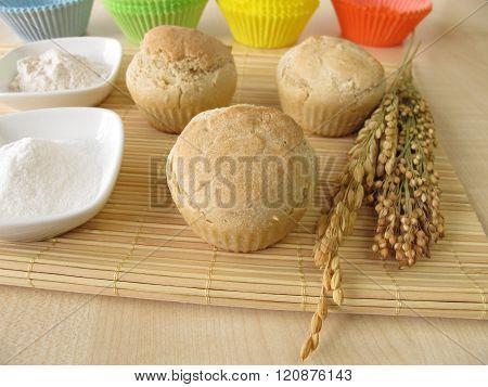 Bread muffins with spelt flour, millet flour, rice flour