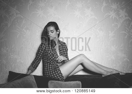 Stunning Woman On Sofa .bw Shot