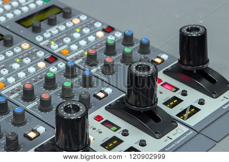close up equalizer controller tv and sound on stage
