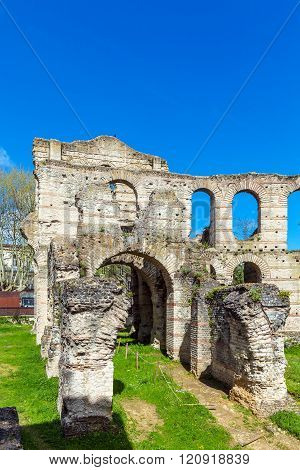 Palais Gallien, Roman Amphitheatre