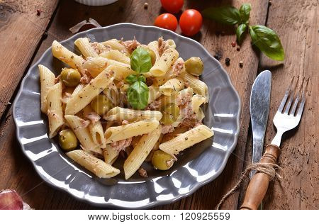Pasta With Tuna And Green Olives