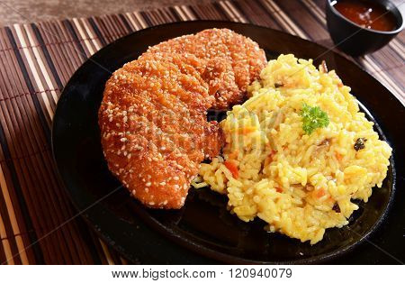 Chicken loins with curry rice and vegetables