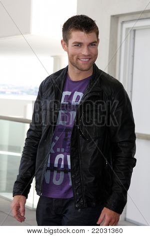 SAN DIEGO - JUL 22:  Liam McIntyre at the 2011 Comic-Con Convention - Day 2 at San Diego Convention Center on July 22, 2010 in San DIego, CA