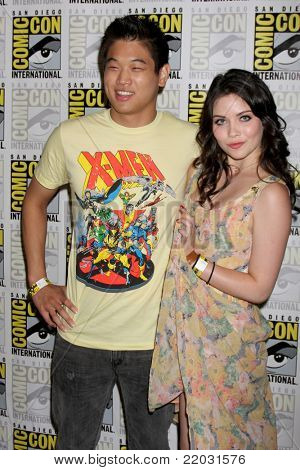 SAN DIEGO - JUL 22:  Ki Hong Lee, Grace Phipps at the 2011 Comic-Con Convention - Day 2 at San Diego Convention Center on July 22, 2010 in San DIego, CA