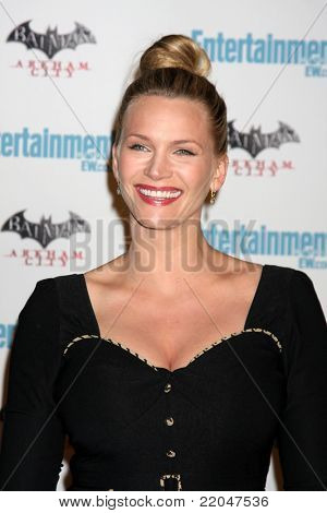 LOS ANGELES - JUL 23:  Natasha Henstridge arriving at the EW Comic-con Party 2011 at EW Comic-con Party 2011 on July 23, 2011 in Los Angeles, CA