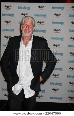 LOS ANGELES - JUL 23:  Ron Perlman arriving at the EW Comic-con Party 2011 at EW Comic-con Party 2011 on July 23, 2011 in Los Angeles, CA