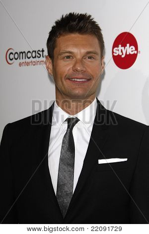 PASADENA - JAN 5: Ryan Seacrest at the Comcast Entertainment Group TCA Cocktail Reception held at the Langham Hotel, Pasadena, California on January 5, 2011