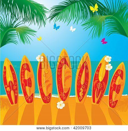 Cartão de férias de Verão - pranchas de Surf com mão desenhada texto bem-vindo