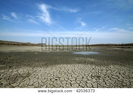 Arid Lands With Cracks