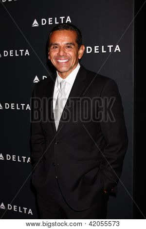 LOS ANGELES - FEB 7:  Antonio Villaraigosa arrives at the Celebration of LA's Music Industry reception at the Getty House on February 7, 2013 in Los Angeles, CA