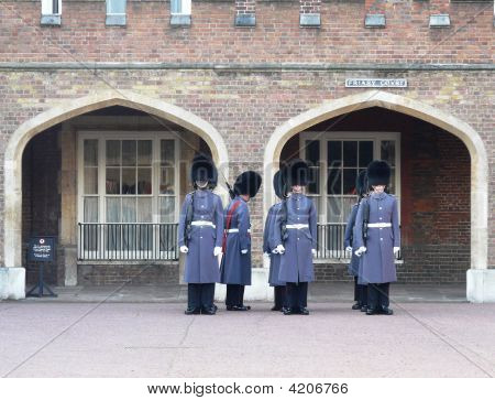 Buckingham Palace Guards, London