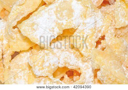 Crisp Deep Fried Pastry