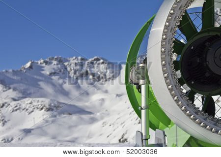 Snow Cannon Closeup