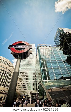 Underground Sign And Entrance, Canary Wharf