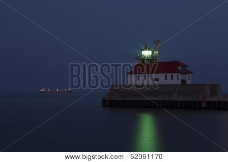 Duluth S Pier Lighthouse Night