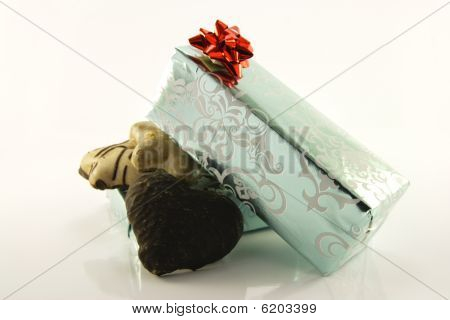 Biscuits And Gifts