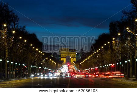 Arc De Triomphe And Traffic