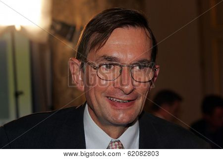 VIENNA - SEPT 12: Jeroen van der Veer, CEO of Royal Dutch Shell, speaks at the Third Organization of Petroleum Exporting Countries (OPEC) International Seminar in Vienna, Austria, on Tuesday, September 12, 2006.
