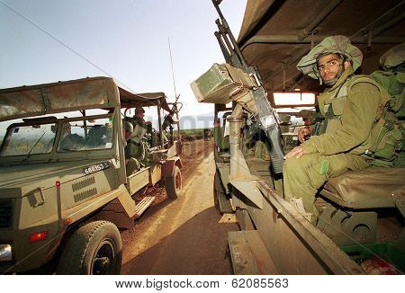 LILACH - MARCH 28:  Israeli army (IDF) soldiers patrol the  Israeli Lebanese border March 28, 2000.