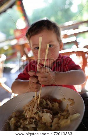 Kid Has Noodles