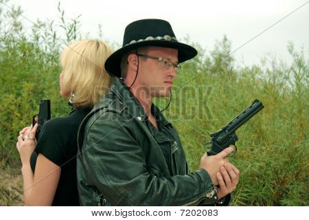 Two People With Guns, Duel