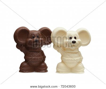 Image of two delicious chocolate mouses