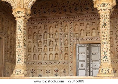 place of Raja in red Agra Fort palace