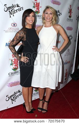 LOS ANGELES - SEP 13:  Cheryl Burke, Kym Johnson at the 2014 Brent Shapiro Foundation Summer Spectacular at Private Residence on September 13, 2014 in Beverly Hills, CA