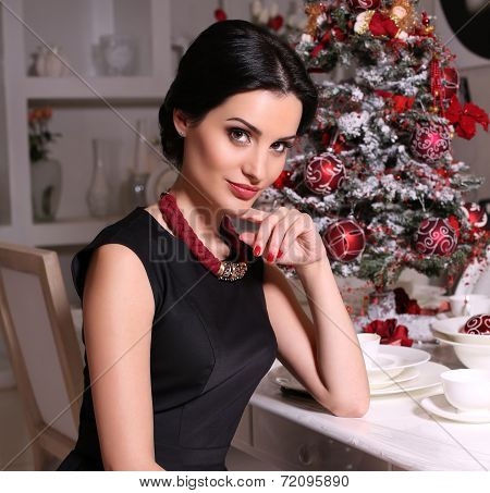 Beautiful Woman Posing Beside S Decorated Christmas Tree