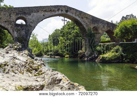 Roman Bridge Sella River Cangas de Onís Cavadonga Spain
