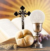 picture of eucharist  - Holy Communion Bread - JPG
