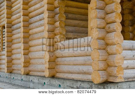 The structure of the log house.