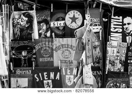 Siena, souvenir shop exposition. BW image
