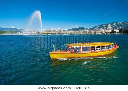 Lake Geneva Water Taxi