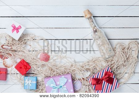 Gift Boxes With Net And Bottle