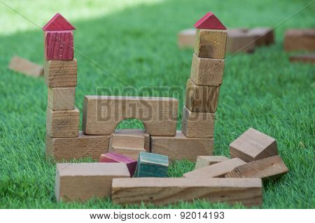 Construction made of wooden blocks