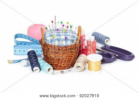 Wicker Basket With Pincushion And Accessories