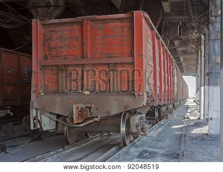 Train Under Loading Of Coal At A Coal Mine