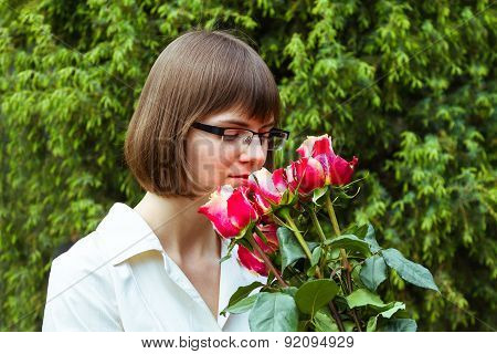 Young Wooman With Roses