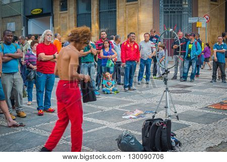Sao Paulo - April 30, 2016 -  Artist In Direita Street In Downtown In The City Of Sao Paulo, Local C