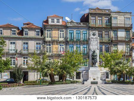 PORTO, PORTUGAL - APRIL 20, 2016: Statue at the Jardim de Carlos Alberto in Porto, Portugal