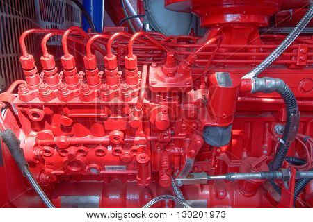 Disel engine driven pedestal crane red engine