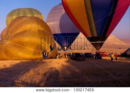 NEVSEHIR/TURKEY-SEPTEMBER 15, 1996: Balloonist at the field of Urgup/Capadoccia during the 1st World Air Games test competitions. September 15, 1996-Nevsehir/Turkey