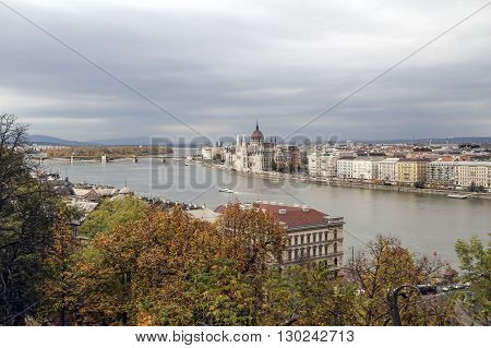 Hungary view on the Budapest city Parlament and Danube River in autumn