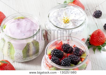 Yogurt Blackberry Strawberry Kiwi